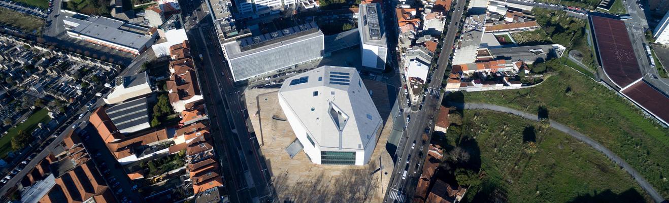 Porto - Wine, Shopping, Urban, Historic, Nightlife