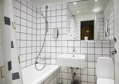 First Hotel Atlantic - ออฮุส - ห้องน้ำ
