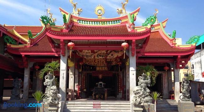 Kata Palace Phuket - Karon - Building
