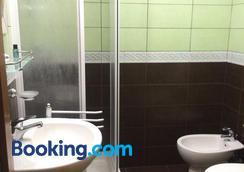 Appartamenti Romatour - โรม - ห้องน้ำ