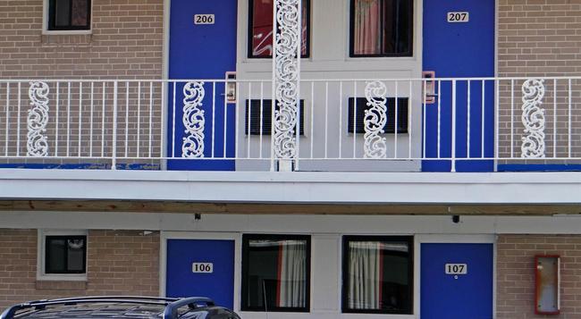 Motel 6 Baltimore City - Baltimore - Building