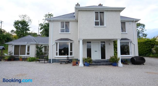 Haywoods B&B - Donegal - Building