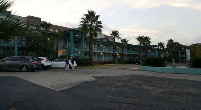 Stay Express Inn Near Ft. Sam Houston - San Antonio - Building