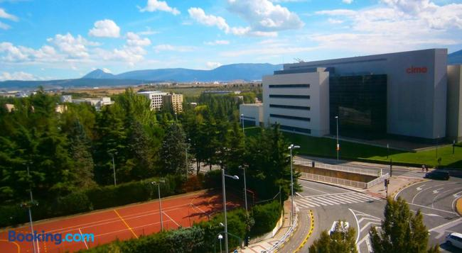 Pensión Mari Asun - Pamplona - Building