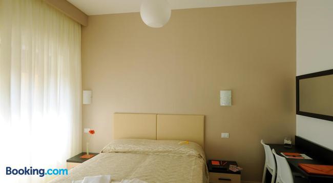 Honey Rooms - Rome - Bedroom