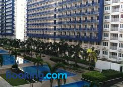Sea Residences Holiday Rentals - มะนิลา - สระว่ายน้ำ