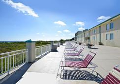 Best Western Plus Holiday Sands Inn & Suites - นอร์โฟล์ค - ห้องนอน