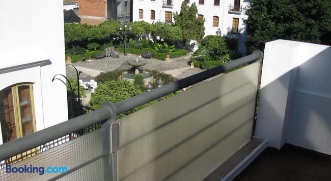 Hostal La Malagueña - Estepona - Building