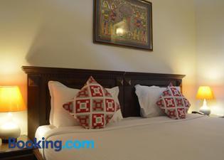 Luxtay Suites