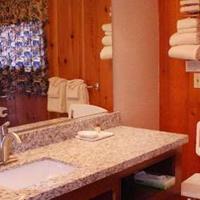 Buffalo Bill Village Cabins Bath