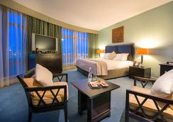 Cork International Hotel - ก๊อก - ห้องนอน