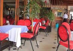 Hotel Ambassadeur - ไนโรบี - ร้านอาหาร