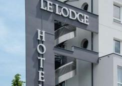 Brit Hotel Lodge - สตาร์บูร์ก - อาคาร