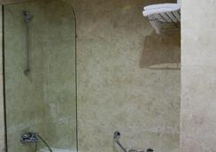 Silken Coliseum - ซานตานเดร์ - ห้องน้ำ
