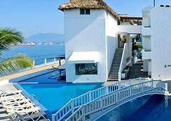 Best Western PLUS Luna del Mar - มันซานิลโล - สระว่ายน้ำ