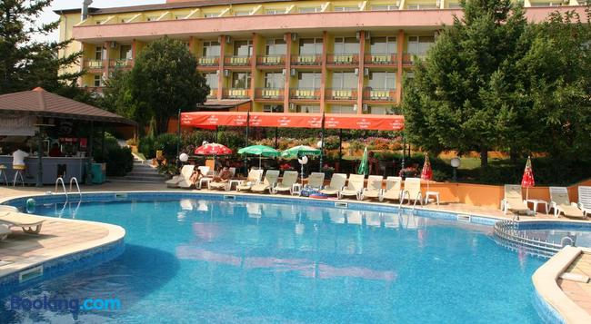 Briz 2 Hotel - Varna - Building