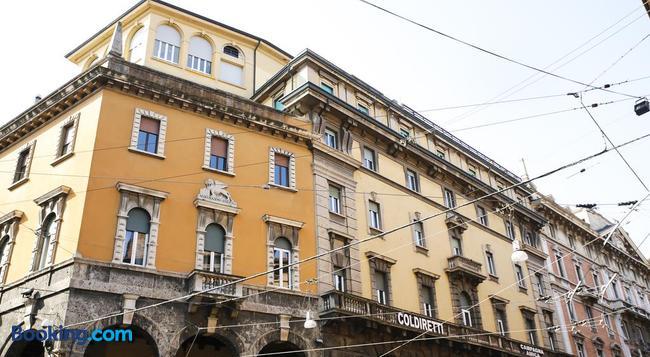 Albergo Garisenda - Bologna - Building