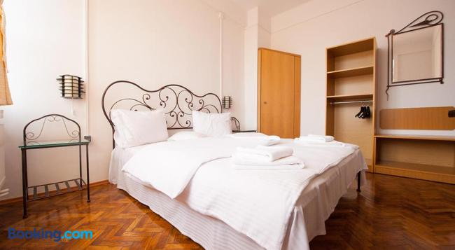 Tranzit Accomodation - Satu Mare - Bedroom