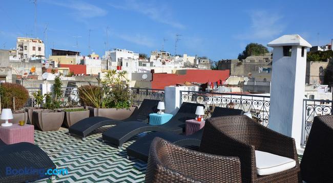 Tanger chez habitant - Tangier - Building