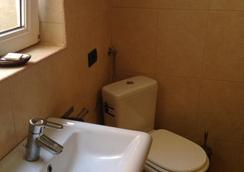 La Vila Maria - บูคาเรสต์ - ห้องน้ำ