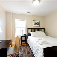 West Broadway Quarters by Short Term Rentals Boston Guestroom