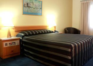 Kings Park Motel