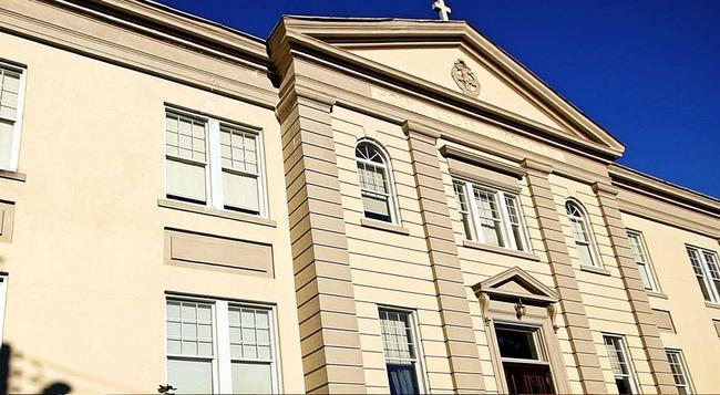 Monastery Spa & Suites - St. John's - Building
