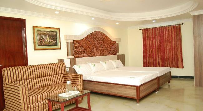 Shri Perumal Inn - Puducherry - Bedroom