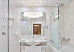 Ava Hotel & Suites - เอเธนส์ - ห้องน้ำ
