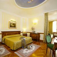 Hotel Hiberia Guestroom