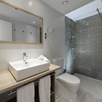 Fergus Club Europa Bathroom