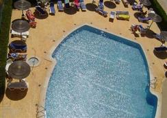 Apartamentos Turisticos Presidente - ปอร์ติเมา - สระว่ายน้ำ
