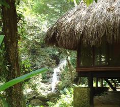 Las Cascadas Lodge