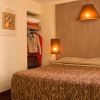 Hotel Carre Vieux Port Marseille Chambre double bain
