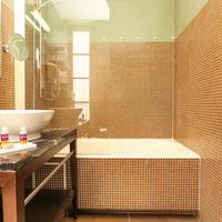 Hôtel Le Rocroy Bathroom