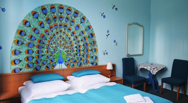 Hotel-pension Bella - Berlin - Bedroom