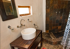 Ku Sungula Safari Lodge - ฮุดสไปรต์ - ห้องน้ำ