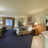 Best Western West Towne Suites Whirlpool Suite Guest Room