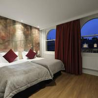 The Queen's Gate Hotel Guest room