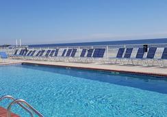 Sands Ocean Club Resort - ไมร์เทิลบีช - สระว่ายน้ำ