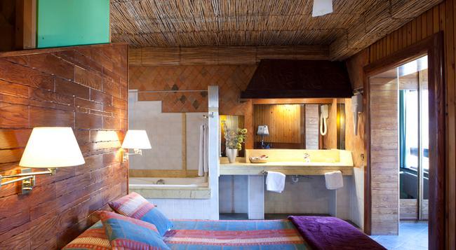 Hotel Quindós - León - Bedroom