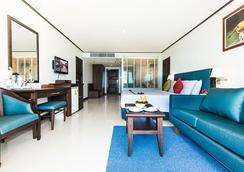 โรงแรม อันดามัน บีช สวีท - ป่าตอง - ห้องนอน