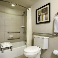 DoubleTree by Hilton Hotel Downtown Wilmington - Legal District Guest room
