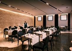Regina Margherita Hotel - กายารี่ - ร้านอาหาร