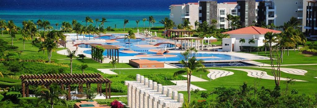 Pure Mareazul - Playa del Carmen - Building