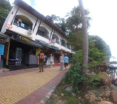 Coma Lounge Hostel