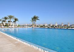 Premier Le Reve Hotel & Spa (Adults Only) - ฮูร์กาดา - สระว่ายน้ำ
