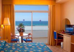 Servigroup Marina Playa - โมคาการ์ - ห้องนอน