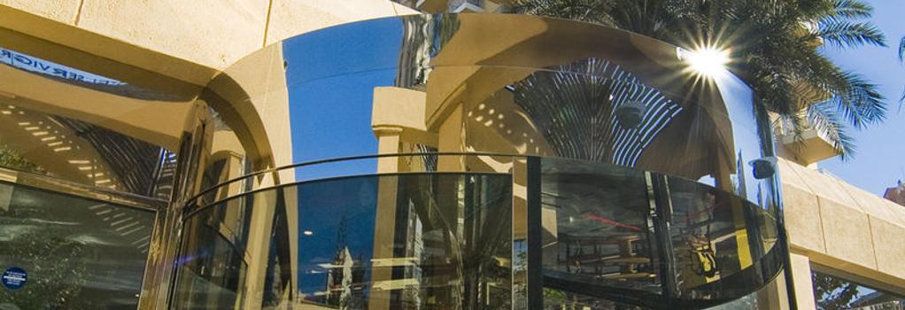 Hotel Servigroup Pueblo Benidorm - Benidorm - Building