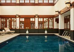 The Savoy, A Fairmont Managed Hotel - ลอนดอน - สระว่ายน้ำ